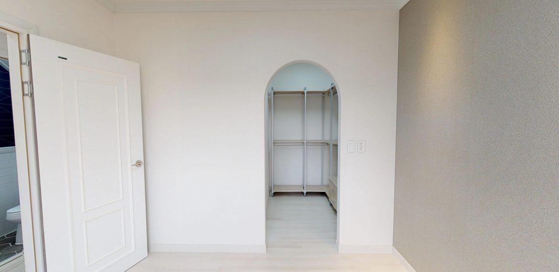 Seolrok-town-Floor-1-room