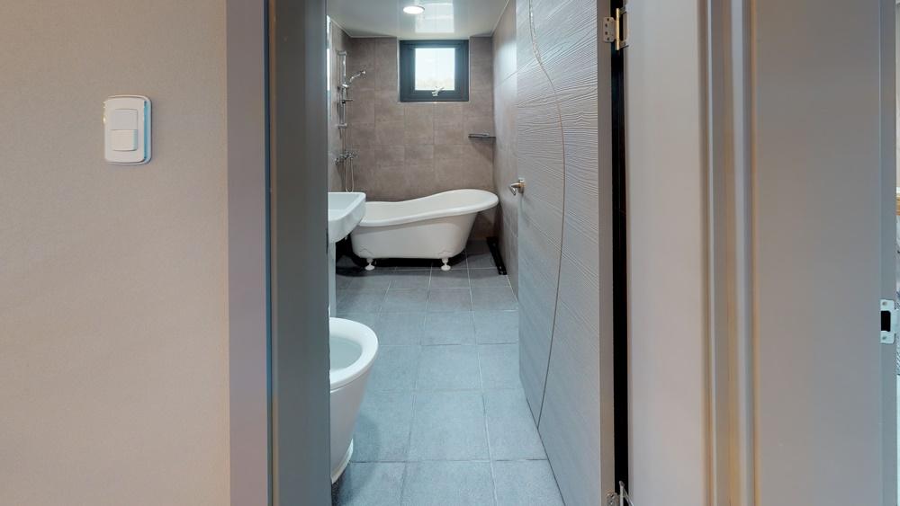 -Bathroom(1)